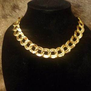Timeless Vintage Parklane gold tone necklace